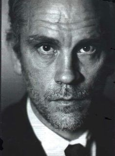 John Malkovich~ one of my favorite actors John Malkovich, Famous Men, Famous Faces, Famous People, Actrices Hollywood, Foto Art, Celebrity Portraits, Black And White Portraits, Shows