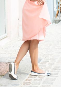 Fit in Clouds, Foldable flats, copenhagen, what to do in copenhagen, pink dress, giveaway, girl problems, pretty cafe, cute cafe, prague, travel diary
