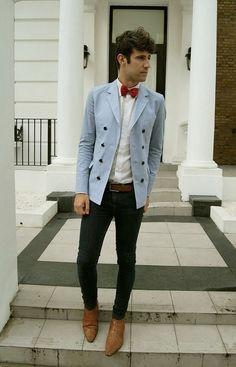Sky blue double breasted jacket with a red bow tie   Veste croisée bleu ciel avec un noeud papillon rouge