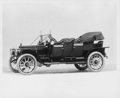 1912 Packard 6 6-cylinder, 48-horsepower, 139-inch wheelbase, close-coupled, with standard top, & Packard storm-tilt windshield