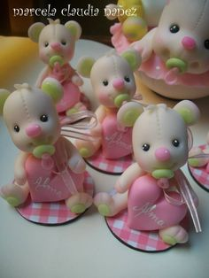 rd4 Polymer Clay Figures, Polymer Clay Animals, Fondant Figures, Fimo Clay, Clay Projects, Clay Crafts, Diy And Crafts, Projects To Try, Clay Bear