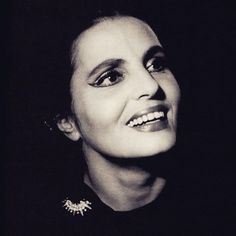 Amalia Rodrigues — to Works as a seamstress and for. Amalia Rodriguez, Vintage Images, Vintage Pictures