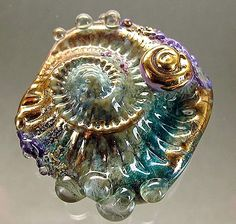 Gabriele Servayge  I love this bead