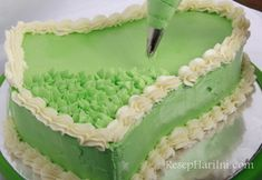 9 Cara Membuat Butter Cream Yang Lembut Homemade Sponge Cake Recipes, Cupcake, Food And Drink, Butter, Homemade, Cream, Baking, Desserts, Creme Caramel
