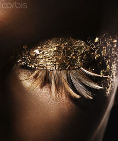 #Fotochannels #gold #eye #make up http://fotochannels.com/zoom/42-35447479/