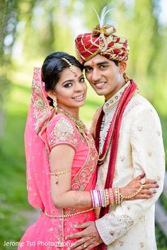 A portrait session is held! Indian Bride Poses, Indian Wedding Poses, Pre Wedding Poses, Couple Wedding Dress, Wedding Couple Photos, Wedding Couples, Hindu Wedding Photos, Indian Bridal Photos, Wedding Portraits