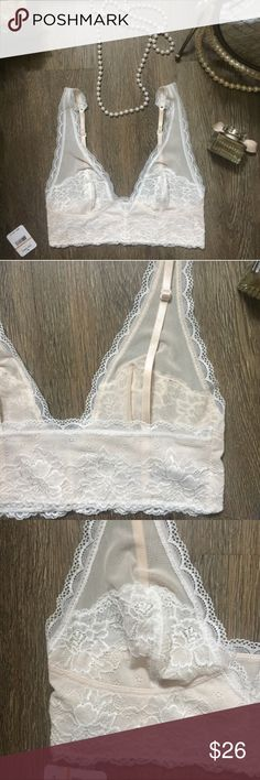 NEW Free People Bralette Lace Ivory/White Sz Small BRAND NEW w/ tag. Gorgeous Free People Floral Lace Ivory Bralette. Adjustable straps in back. 87% Nylon, 13% Spandex. Size Small 😍 Free People Intimates & Sleepwear Bras
