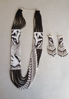 Items similar to Southwestern monochrome long loom seed beads jewelery set tiger, unique jewelry on Etsy Southwestern monochrome long loom seed beads jewelery set Bead Jewellery, Seed Bead Jewelry, Seed Bead Earrings, Jewelery, Seed Beads, Jewellery Making, Beaded Earrings, Beaded Bracelet Patterns, Bead Loom Patterns