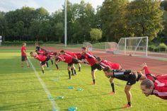FC Uster im Sommertraining Athletic Training, Athletics, Soccer, Sports, Hs Sports, Futbol, Soccer Ball, Excercise, Football