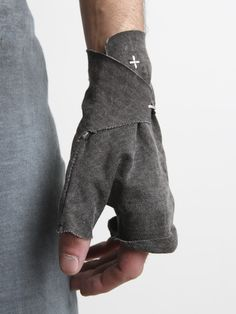 This is the kind of thing thing i'm looking for- minimal to no sewing required Dark Fashion, Mens Fashion, Fashion Outfits, Post Apocalyptic Fashion, Look Man, Inspiration Mode, Future Fashion, Mode Style, Costume Design