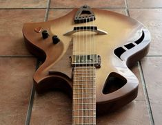 "Murray Kuun Guitar Design on Instagram: ""#broadway_jazz_guitar   #murraykuun_guitars #murraykuun_design #jazzguitar #archtopguitar #guitaroftheday #guitardesign #instaguitar…"" Archtop Guitar, Jazz Guitar, Guitar Design"