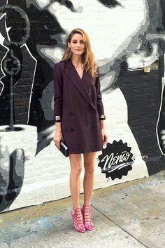 Olivia Palermo, street style, vestido estilo blazer, sandália colorida, moda, marsala, vinho, neutros,