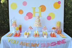Make your birthday girl happy with this beautiful You Are My Sunshine Party full of bright decorations and creative activities.
