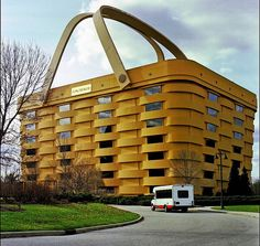 The shopping basket I presume? Eccentric, Ohio Usa, Big Basket, Newark Ohio, Newark New Jersey, Renzo Piano, Building A House, Building Facade, Building Architecture