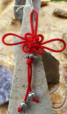Check out this item in my Etsy shop https://www.etsy.com/listing/233945621/chinese-red-luck-knot