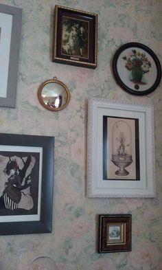 Dans un cabinet de curiosités, le miroir de sorcière est indispensable...