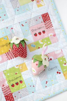 In the Square Mini Quilt by Nadra Ridgeway. Fabrics: Sweet Orchard by Sedef Imer of Down Grapevine Lane for @rileyblake