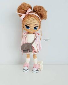 Crochet Dollies, Cute Crochet, Crochet For Kids, Knit Crochet, Crochet Hats, Doll Patterns, Crochet Patterns, Doll Making Tutorials, Pom Pom Crafts