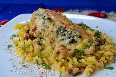 Kieszonki drobiowe ze szpinakiem i mozzarellą w sosie porowym