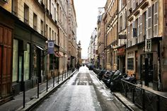 Rue Saint-Roch (Paris France)