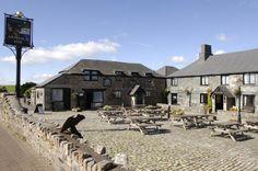 Jamaica Inn Bodmin Moor Cornwall Jamaica Inn, British Pub, Cornwall, Britain, To Go, Mansions, House Styles, Places, Country