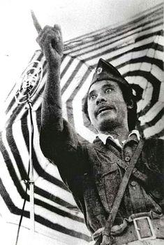 Propagandist Bung Tomo spreekt tot het Indonesische volk, Soerabaja, oktober 1945. On October 3rd, Surabaya, Netherlands, Battle, Hero, Bts, Watercolor, History, Poster