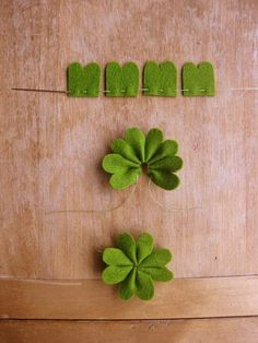 just don't eat it lol DIY Clover….just don't eat it lol Clover Flower, Clover Green, Felt Crafts, Diy And Crafts, Diy For Kids, Crafts For Kids, Easy Sewing Patterns, Pdf Patterns, Needle Felted