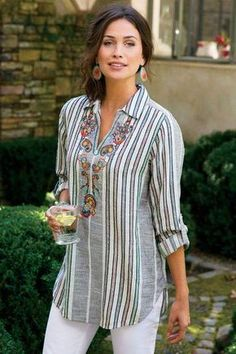 Aruba Pullover - Floral Top, Paisley Top, Womens Striped Button Up Kurta Designs, Blouse Designs, Modest Fashion, Fashion Dresses, Fashion Shirts, Indian Designer Wear, Elegant Outfit, Mode Style, Ideias Fashion