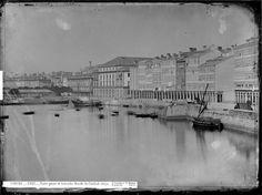 La Marina, cuando el mar llegaba casi a los soportales de las edificaciones. A Coruña. Galicia. Spain.
