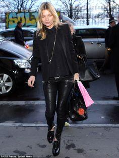 Street style look Kate Moss Ella Moss, Estilo Kate Moss, Leather Leggings Look, Leather Pants, Black Leather, Die Queen, Queen Kate, Moss Fashion, Funky Fashion