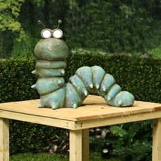 Solar Powered Led Lights, Solar Led, Pottery Animals, Ceramic Animals, Outdoor Garden Statues, Backyard Planters, Solar Light Crafts, Garden Insects, Concrete Crafts