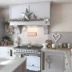 Loving my new pink prosecco queen sign ! Could add more pink & punch it up It's the new patisserie sign ( for those of you that remember ) ! Online now link in my bio . Cosy Kitchen, Kitchen Dinning, Country Kitchen, New Kitchen, Kitchen Decor, Dining, Beautiful Kitchen Designs, Beautiful Kitchens, Cottage Kitchens