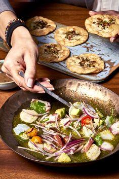 Se llama Barracuda MX, abrió hace un mes y conseguir mesa resulta casi misión imposible. ¿Dónde reside el éxito fulgurante de este nuevo local? ¡Hola! Cocina charla con su chef, Roberto Ruiz (antes al frente de Punto MX) para descubrirlo Cooking Recipes, Mission Impossible, Mexican Restaurants, Small Talk, Tasty