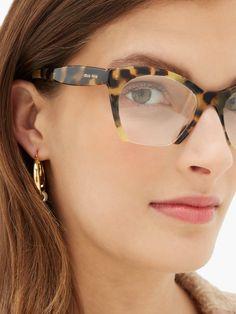 Glasses Frames Trendy, Funky Glasses, Brown Glasses, Style Board, Lunette Style, Fashion Eye Glasses, Designer Eyeglasses, Givenchy, Eyeglasses For Women