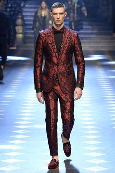 Dolce and Gabbana Menswear Fall/Winter 2018 para Milan Fashion Week Men Fashion Show, Mens Fashion Week, Mens Fashion Suits, Fall Fashion Outfits, Blazer Fashion, Milan Fashion, Dolce & Gabbana, Dolce Gabbana Hombre, Gq