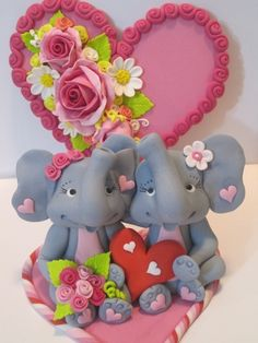 Couldn't these be made of fondant for a whimsical wedding or bridal shower cake? Fondant Figures, 3d Figures, Elephant Cakes, Baby Elephant, Valentines Day Cakes, Wedding Topper, Wedding Cake, Polymer Clay Animals, Fondant Toppers