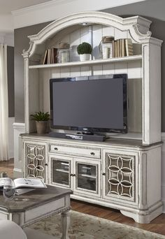 Charmant Southpoint  Distressed White (Havertys) | Furniture I Like | Pinterest | Tv  Units, DIY Furniture And Interiors