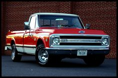 My buddy has a truck just like this, it's a beauty   #ChevyStrong #Bowtie