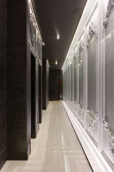 The juxtaposition of black and white is sublime Lobby Interior, Interior Architecture, Interior Design, Fancy Shop, Hotel Corridor, Corridor Lighting, Elevator Lobby, Nightclub Design, Corridor Design