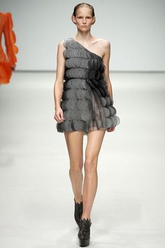 Christopher Kane Spring/Summer 2009 Ready-To-Wear Collection | British Vogue