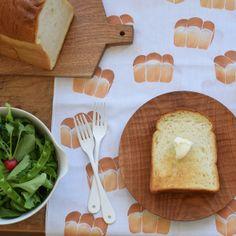 アケモドロ手ぬぐい【やま型食パン】akemodoro手染め小物作家型染めてぬぐい