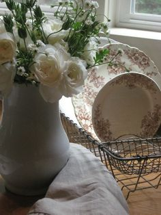 Faded Charm: ~Brown transferware/ironstone with roses Rose Cottage, Cottage Chic, Cottage Style, Farmhouse Style, Vintage Farmhouse, Photos Voyages, Vase, Vintage Love, Sweet Home