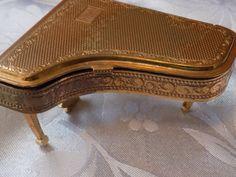 """Very rare Pygmalion England Grand Piano """"SONATA"""" mirror compact, collectible boudoir accessory"""