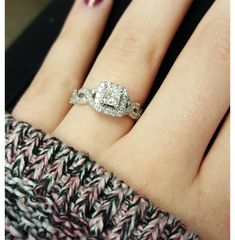 Carat (ctw) Princess Cut Diamond Engagement Rings for women and Wedding Band Set in White Gold – Jewelry & Gifts - Princess Wedding Rings, Wedding Rings Simple, Beautiful Wedding Rings, Princess Cut Rings, Princess Cut Engagement Rings, Beautiful Engagement Rings, Wedding Rings Vintage, Princess Cut Diamonds, Vintage Engagement Rings