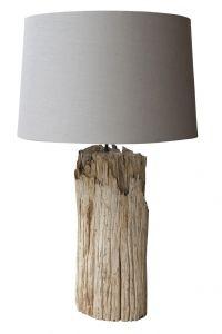 Lámpara de mesa de tronco grueso color natural con pantalla de lino. Las medidas son 80 cm de alto y 35 cm de diámetro. Diy Cabin, Driftwood Lamp, Lighting Concepts, Rustic Lamps, Wooden Lamp, Old Wood, Lamp Design, Lampshades, Furniture Projects