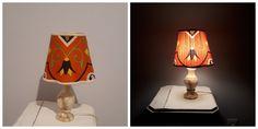 Relooker une vieille lampe avec un tissu traditionnel égyptien. Elle a un peu une allure de citrouille d'Halloween, non? C'était pas voulu. Decoration, Table Lamp, Halloween, Lighting, Home Decor, Old Lamps, Center Table, Floor Lamps, Traditional