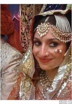 Nawab of rampur's sister!!!!!!!!! Stuniing jewelry and gorgeous bride!!!!!!