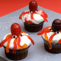 Under the Sea party - Octopus cupcakes