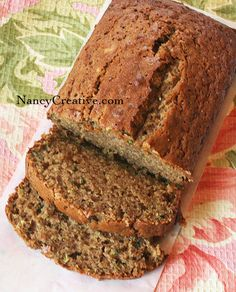 Zucchini Spice bread - this reminds me of my Aunt Mary who makes the best Zucchini Bread Ever! Carrot Zucchini Bread, Zucchini Bread Recipes, Pumpkin Bread, Lemon Zucchini, Courgette Bread, Banana Bread, Just Desserts, Dessert Recipes, Spice Bread