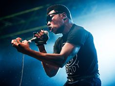 "Willis Earl Beal Explores Haunting Terrain in ""Everything Unwinds"""